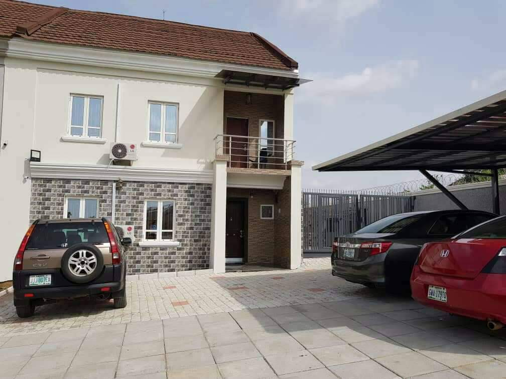 4 Bedroom Semi Detached